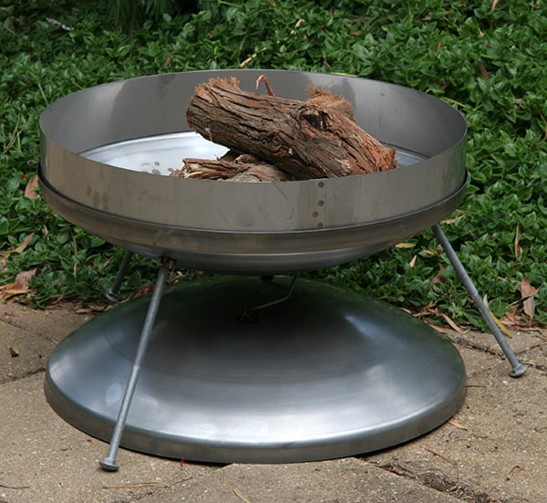 STAINLESS STEEL Compact Campfire Dish with windshield, lid, legs & bag